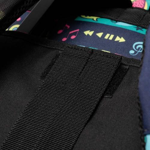 mochila-escolar-con-ruedas-estampado-yolo-renglones-con-codigo-de-color-multicolor-y-talla-unica--vista-3.jpg