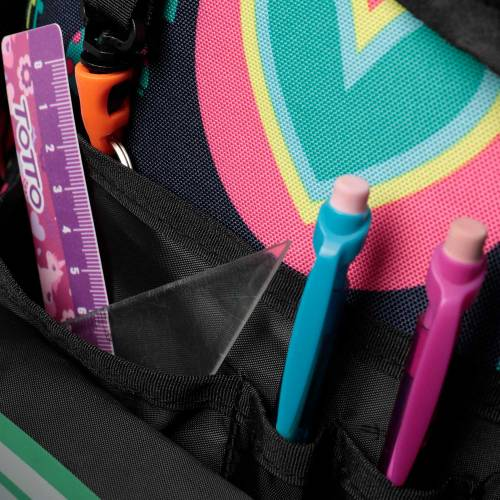 mochila-escolar-con-ruedas-estampado-yolo-renglones-con-codigo-de-color-multicolor-y-talla-unica--vista-5.jpg