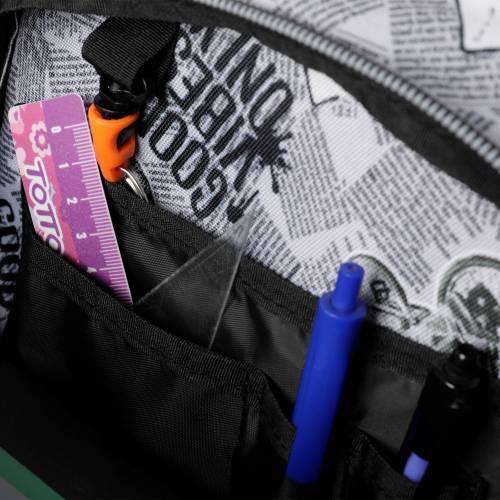 mochila-escolar-con-ruedas-estampado-newspaper-renglones-con-codigo-de-color-multicolor-y-talla-unica--vista-6.jpg