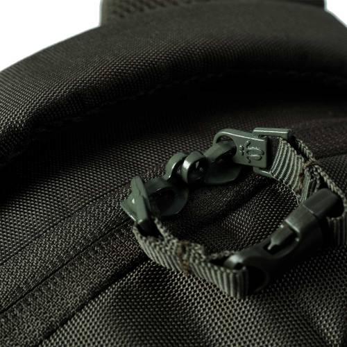 mochila-juvenil-eco-friendly-estampado-dark-olive-misisipi-con-codigo-de-color-verde-y-talla-unica--vista-5.jpg