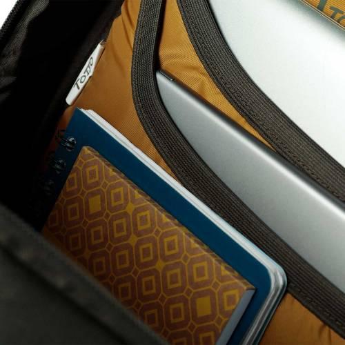 mochila-juvenil-eco-friendly-estampado-dark-olive-misisipi-con-codigo-de-color-verde-y-talla-unica--vista-6.jpg