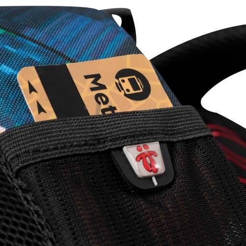 mochila-escolar-estampado-glitech-crayoles-con-codigo-de-color-multicolor-y-talla-unica--vista-4.jpg