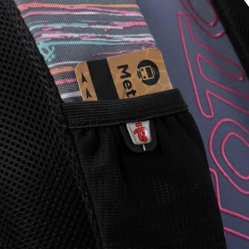 mochila-escolar-multicolor-jaspeado-crayola-con-codigo-de-color-multicolor-y-talla-unica--vista-4.jpg